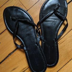 Banana Republic patent leather flip flops